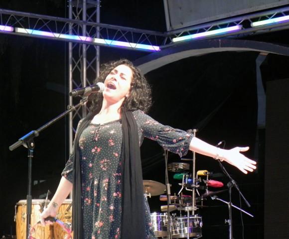 Beatrix López, voz líder de Tesis de Menta. Foto Marianela Dufflar