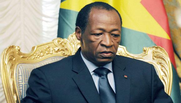 El presidente de Burkina Faso, Blaise Compaoré, anunció este viernes que abandona el poder, tras 27 años, a raíz de una protesta popular sin precedentes. Foto: AFP.