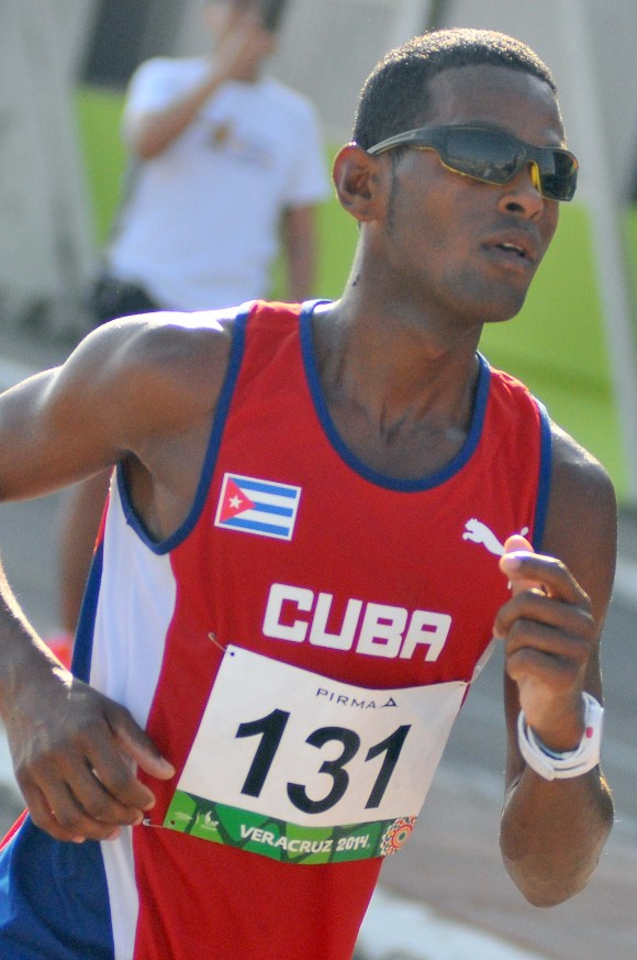 Maraton M Richer Perez gana medalla de oro tiempo 2,19,13 mejor marca personal. Foto: Ricardo López Hevia / Granma / Cubadebate