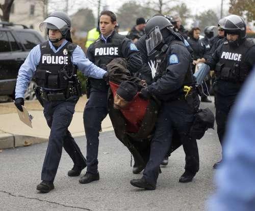 Unos 200 detenidos, saldo de las protestas en EU