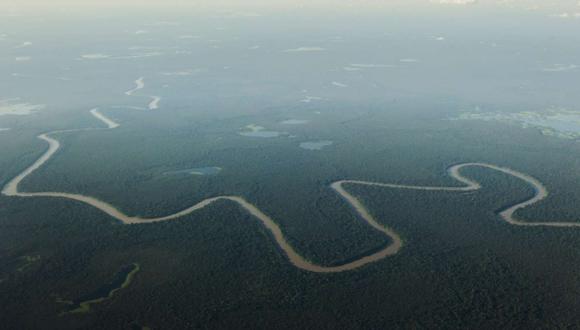 Una vista aérea del río Solimões, uno de los principales afluentes del Amazonas, en la reserva natural cerca de Mamiraua Tefe, Brasil. Foto: Reuters