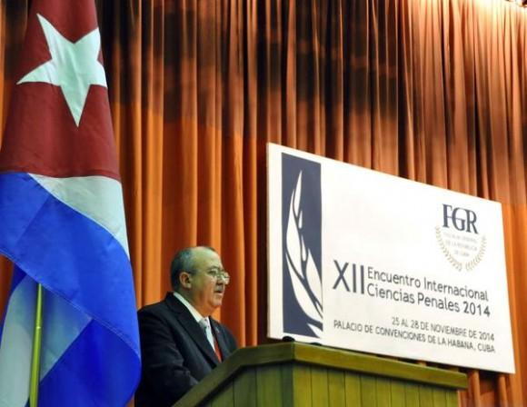 Intervención de Darío Delgado Cura, fiscal General de la República de Cuba, durante la inauguración del XII Encuentro Internacional de Ciencias Penales 2014, que se desarrolla en el  Palacio de Convenciones de La Habana, el 26 de noviembre de 2014. AIN FOTO/Marcelino VAZQUEZ HERNANDEZ