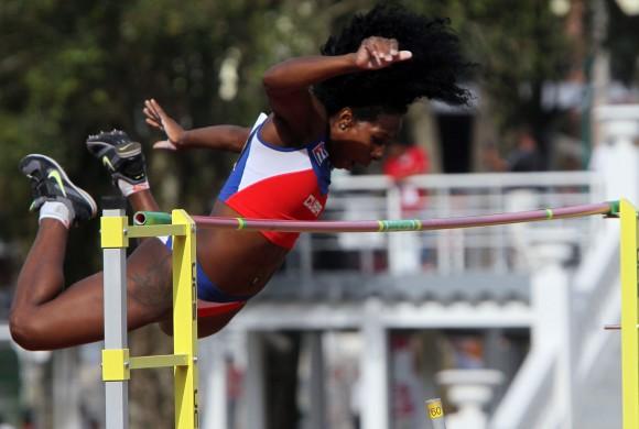 Yarisley Silva de Cuba impone Record centroamericano en Salto con Garrocha de 4,60 mts. Foto: Ismael Francisco/Cubadebate.