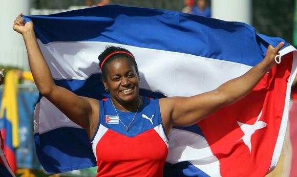 Martillista Yipsi Moreno aporta primer oro del Atletismo cubano en Veracruz