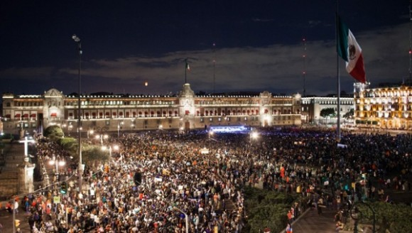 Marcha nacional por Ayotzinapa se concentrará en el Zócalo.