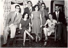 De izquierda a derecha Abel, Aida, Benigno, Ada, Joaquina, Haydée y Aldo.