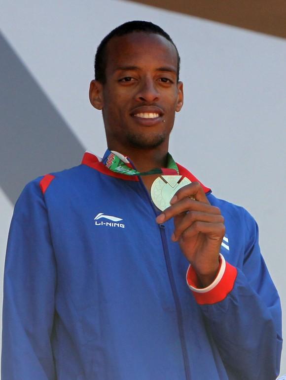 Andy Gonzalez ganador de los 1500 mts planos. Foto: Ismael Francisco/Cubadebate.