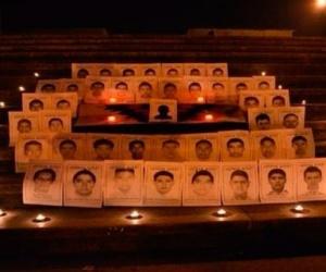 Continúan actividades de apoyo a los 43 normalistas desaparecidos en México