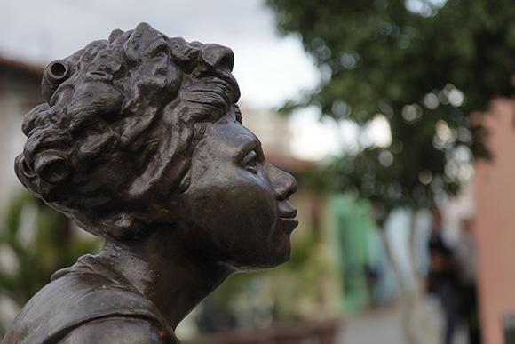 Las chismosas, obra de Martha Jiménez en la Plaza del Carmen. Foto: Ismael Francisco/Cubadebate.