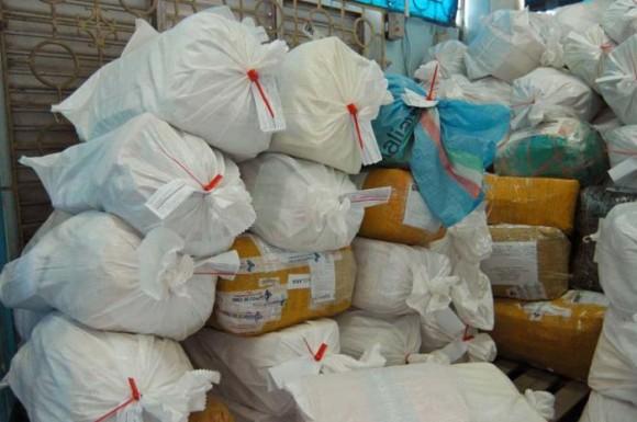 Aquellos envíos que arribaron al país con fecha posterior al 1ro. de septiembre fueron almacenados en un depósito temporal para su correcto procesamiento. Foto: Ismael Batista