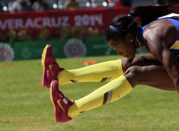 La estrella colombiana del momento Caterine Ibarguen  gano el triple salto. Foto: Ismael Francisco/Cubadebate.
