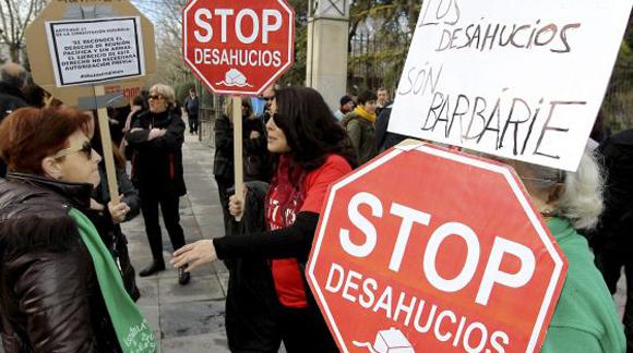 Manifestación de Stop Desahucios en Ciudad Real. Foto: EFE