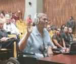 La última aparición pública de Elías Barahona fue a principios de octubre pasado, unas semanas antes de su fallecimiento. En silla de ruedas declaró como testigo en el juicio que se sigue en Guatemala por la quema de la embajada de España. Dio un ejemplo final de consecuencia revolucionaria.