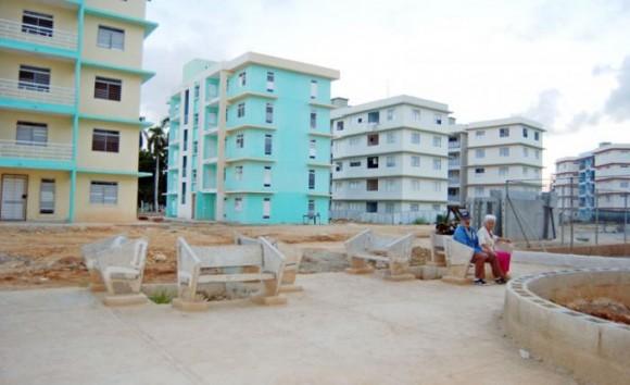 El asentamiento VI Congreso ya cuenta con varios edificios terminados y habitados. Foto: Maylin Guerrero Ocaña/ Granma