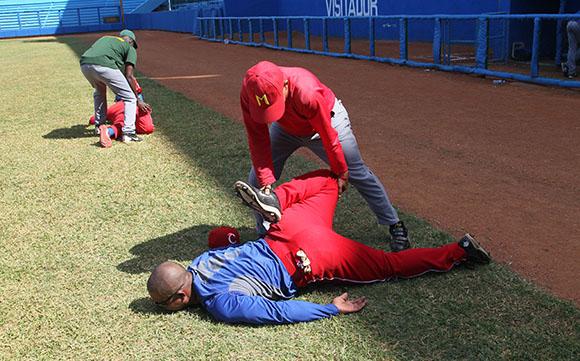 Entrenamientos del equipo Cuba de pelota que participara en los Juegos Centroamericanos de Veracruz. Foto: Ismael Francisco/Cubadebate