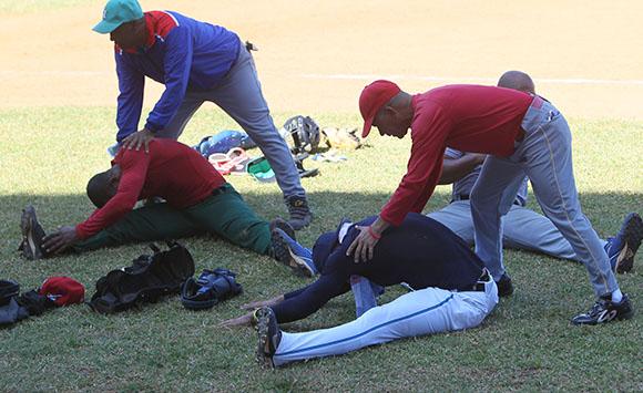 Entrenamientos del equipo Cuba de pelota que participara en los Juegos Centroamericanos de Veracruz. Foto: Ismael Francisco/Cubadebate.