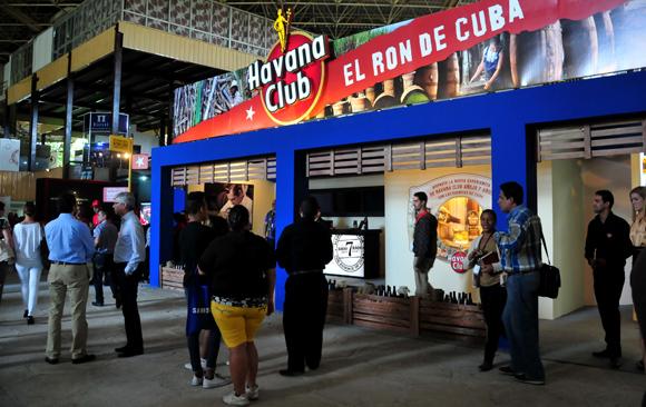 Pabellón Central de Expocuba, donde más de 300 empresas nacionales expondrán hasta el día ocho sus principales bienes y servicios. Foto: Ladyrene Pérez/ Cubadebate.