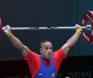Plata para Yadier Nuñes en los 85 kg de las pesas centroamericanas  en arranque. Foto: Ismael Francisco/Cubadebate.