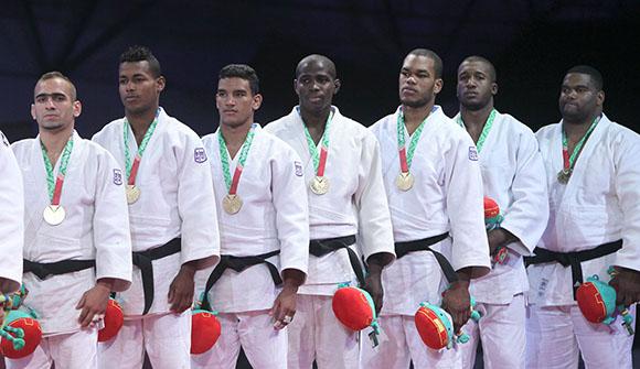 Oro para el equipo cubano masculino de Judo. Foto: Ismael Francisco/Cubadebate.