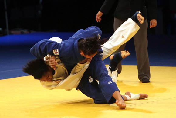 Aliuska Ojeda, oro en 57 kg. Foto: Ismael Francisco / Cubadebate
