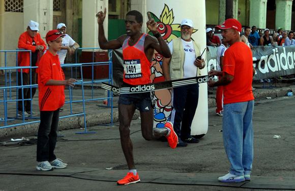 Jorge Luis Sanchez, ganador de la edición 28 de Marabana 2014. Foto: Ladyrene Pérez/ Cubadebate.