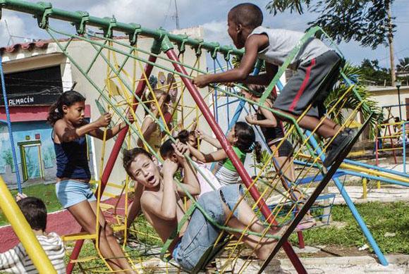 CUBA-LA HABANA-POR UNA INFANCIA FELIZ Y CON DERECHOS