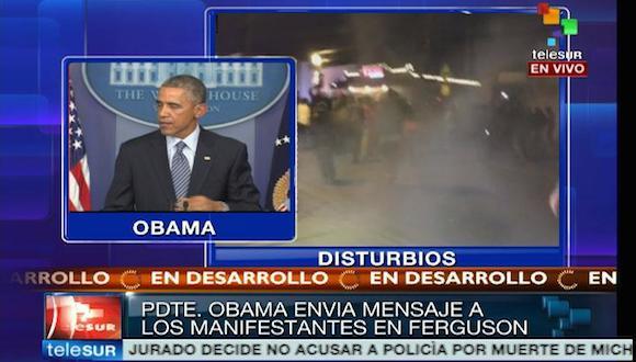 Mientras Obama llama a la paz en Fergurson, la policía arroja bombas lacrimógenas contra manifestantes.