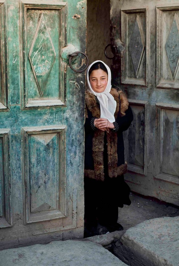 oltre-lo-sguardo-portrait-photography-steve-mccurry-7