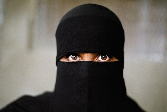 oltre-lo-sguardo-portraits-travel-photography-steve-mccurry-21