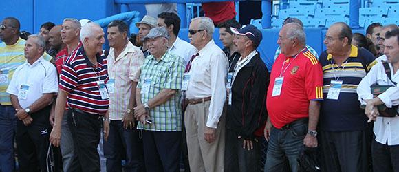 Participantes en la refundación del Salón de la Fama.