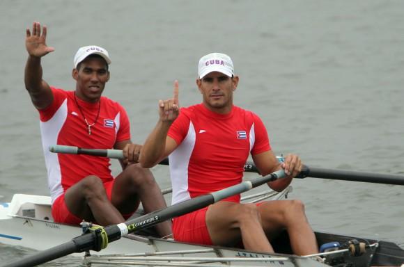 Solaris Freire y Adrián Oquendo, oro en dos remos largos. Foto: Ismael Francisco/Cubadebate.