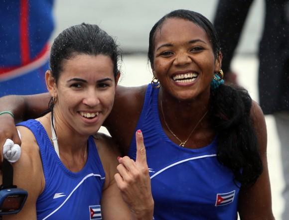 Yariulvis Cobas y Aimée Hernández, oro en doble par remos cortos. Foto: Ismael Francisco/Cubadebate.