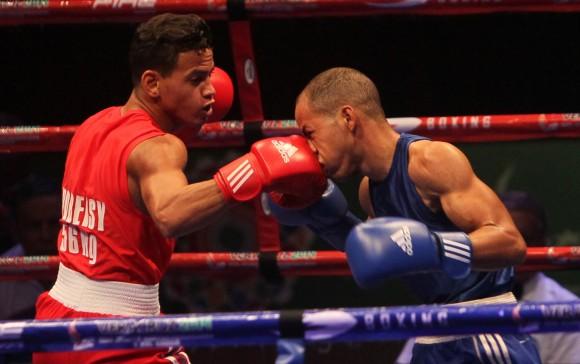 Robeisy Ramirez gana Oro en los 56 kg de Boxeo. Foto: Ismael Francisco/Cubadeabte. Robeisy Ramirez gana Oro en los 56 kg de Boxeo. Foto: Ismael Francisco/Cubadebate