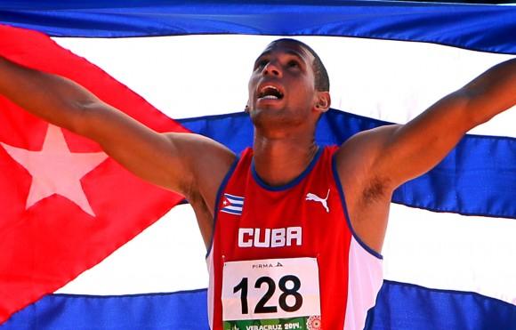 Sergio Mestre gana medalla de Oro en Salto de Altura, con registro de 2,26 mts. Foto: Ismael Francisco/Cubadebate.