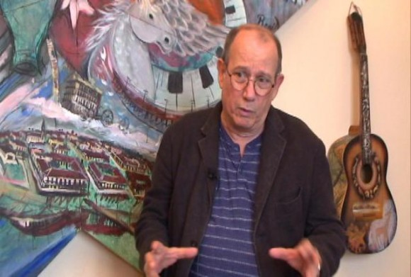 Silvio Rodríguez entrevistado para La pupila asombrada en los estudios Ojalá.