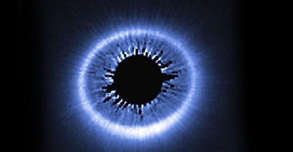 """El telescopio Hubble capta un enorme """"ojo en el cielo"""""""
