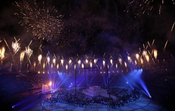 Fuegos Artificiales cierran la Ceremonia de inauguración de los XXII Juegos Deportivos Centroamericanos y del Caribe Veracruz 2014. Foto: Ismael Francisco/ Cubadebate