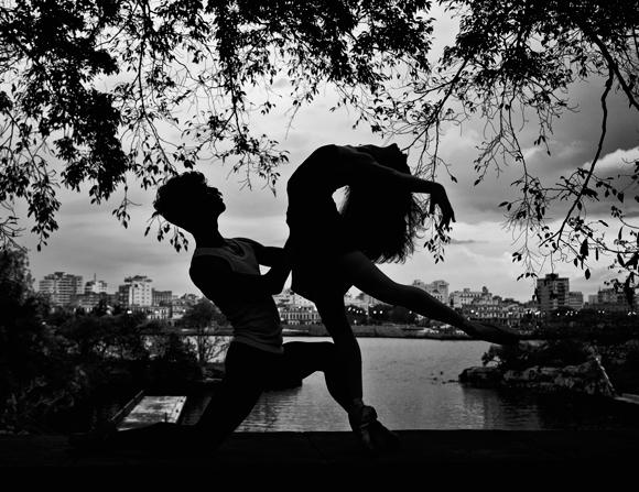 10 chanel-cabrera-y-francois-llorente--ballet-nacional-de-cuba----foto-de-grabriel-davalos