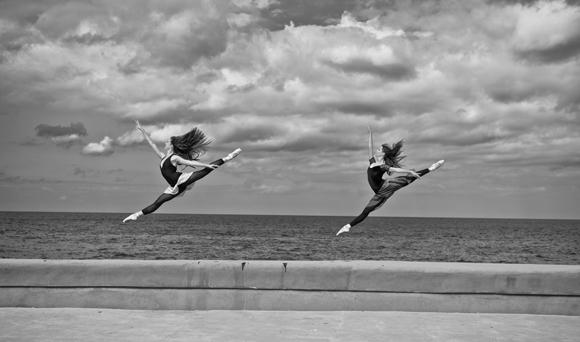 1amaya-rodriguez-y-grettel-morejon--ballet-nacional-de-cuba---foto-de-grabriel-davalos