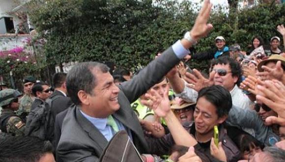 6-Rafael-Correa-asistió-a-la-parada-militar-en-Cuenca