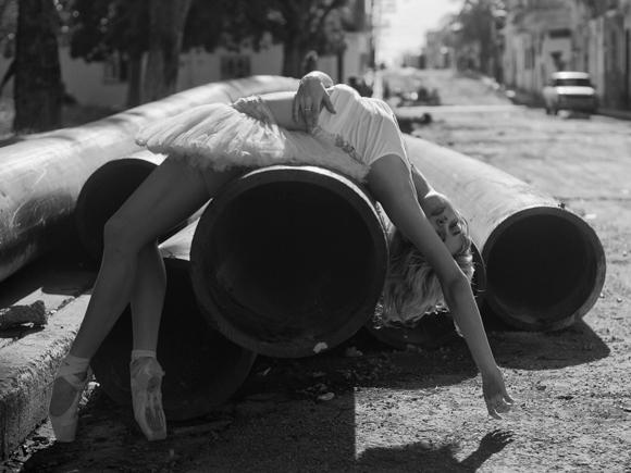 7 dayessi-torriente--ballet-nacional-de-cuba----foto-de-grabriel-davalos