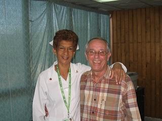 Con Caristina Cañas Lugo, su enfermera durante 35 años.