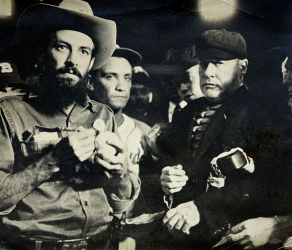 Junto a Camilo Cienfuegos.