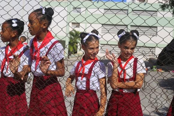 Cubanos celebran cambio de relaciones Cuba-EEUU2