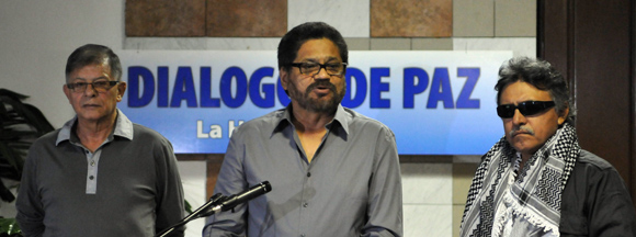 Víctimas del conflicto en Colombia piden gestos de paz