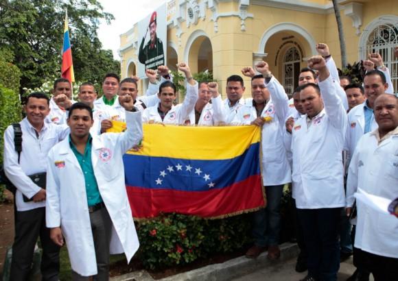 Cuba: Médicos venezolanos concluyen adiestramiento sobre Ébola
