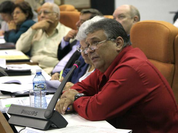 Marino Murillo en Asamblea Nacional Trabajo en Comisiones, Sala 3 Asuntos Economicos. Foto: Ismael Francisco/Cubadebate.