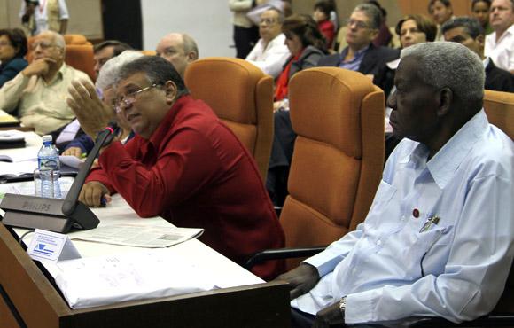 Esteban Lazo y Marino Murillo en Asamblea Nacional Trabajo en Comisiones, Sala 3 Asuntos Economicos. Foto: Ismael Francisco/Cubadebate.