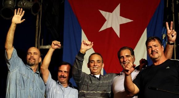 Envían Los Cinco mensaje a Nicolás Maduro