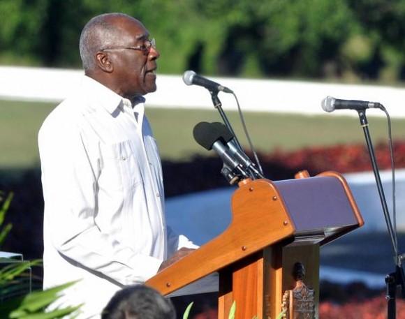 Encabeza Salvador Valdés Mesa delegación cubana a juramentación del Presidente de República Dominicana